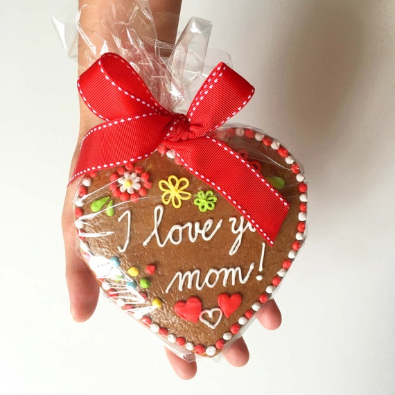 Traditional Gingerbread Delicious Heart - Customizable