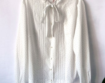 Vintage white buttoned shirt with dots, bow at the neck and small ruffles / / white shirt buttoned with dots, bow, small ruffles. L