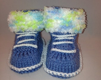 baby booties,newborn booties,stay-on baby socks, babyshower gift, first booties, hand knit socks, knitted baby socks,warm baby socks