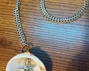 Natural Shell and Starfish Pendant necklace