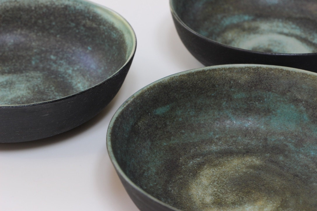 keramik schalen turmalin gr n schwarz keramik sch ssel. Black Bedroom Furniture Sets. Home Design Ideas