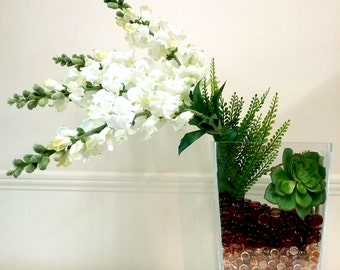 Modern Floral Arrangement F1529