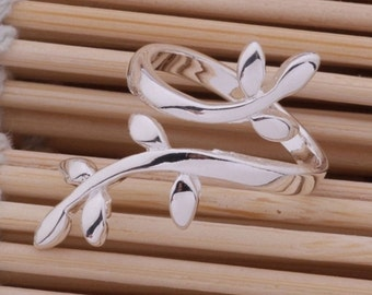 Adjustable branch ring