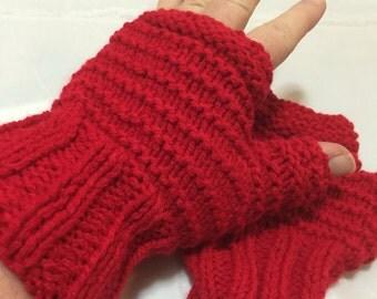 Red fingerless gloves #1083