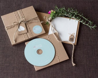 Personalized wedding gift for the bride & groom - Your unique video animation in our lovingly handcrafted gift box
