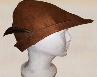 Robin Hood Style Hat with Feather, Made from Alova Suede/Cuddle Suede/Felt - Ideal for Medieval, Fantasy, or Renaissance Costumes & Cosplay