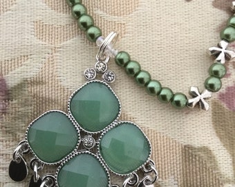 "18"" green clover pearl necklace"