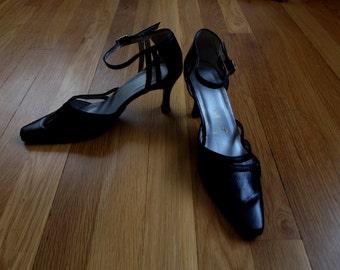 Vintage 1940's Style Black Heels
