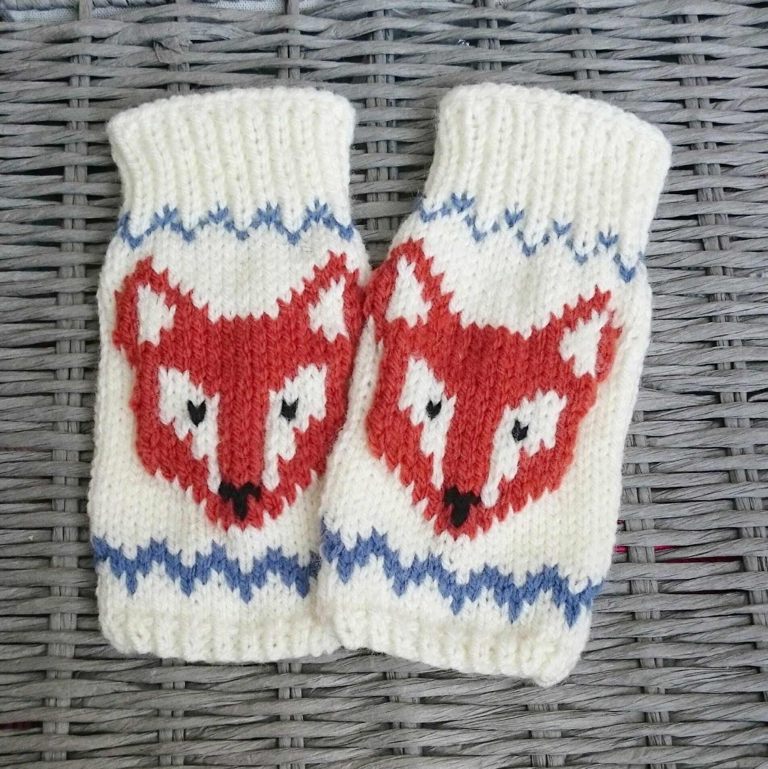 Knitting Pattern For Fox Mittens : Knitted Fingerless Fox Gloves Gloves Mittens Wrist