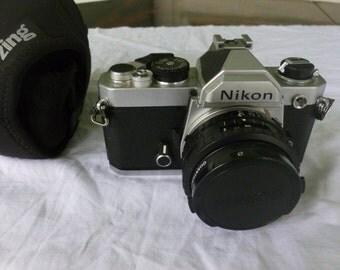 Vintage Nikon 35mm FM3212226 1977 with Zing Case