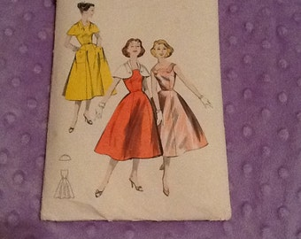 Vintage Butterick pattern 8153 Dress only