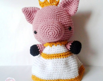Crochet piggie, Crochet Amigurumi pig, cute crochet, kawaii crochet, pig plush, queen piggie plush, regal, amigurumi