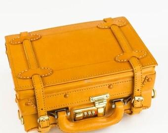 NEW ARRIVAL! Vintage Style Handbag by Camden LeatherWorks