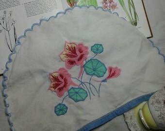 Vintage tea cosy,vintage tea pot cover,embroidered tea pot cover,linen tea cosy,applique tea coay,vintage linen,old linen,vintage homewares
