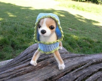A small dog cape.100% cotton. Size XS.Blue