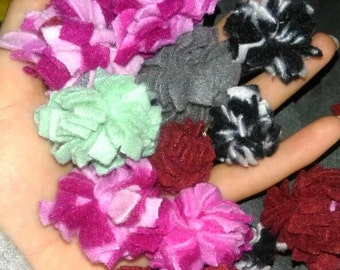 Fleece pompoms