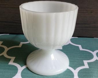 Vintage milk glass vase - White vintage vase - Vintage glass vase - Vintage flower vase - White glass bottle - Orange Retro