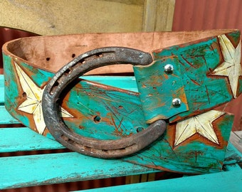 Hip belt horseshoe buckle