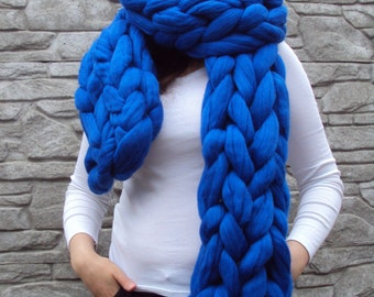 MAX SALE!!! Super chunky knitted infinity scarf. Arm knitted chunky scarf. Chunky unisex scarf. Chunky chain scarf. Blue wool scarf. Snood