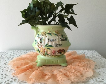 Vintage Pretty Wall Pocket