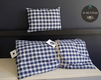 Quilt, bedspread, quilt, comforter, bedspread in blue and white cotton with decorative cushion