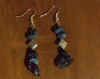 Blue/silver beaded wire earrings