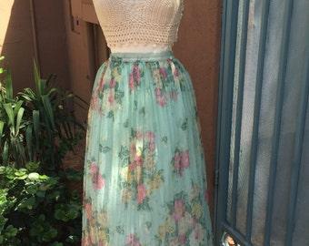 Pretty floral high waisted midi skirt with elastic waist
