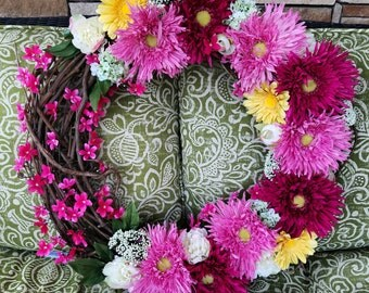 """Beautiful 24"""" spring wreath that can be made with a bow and initial"""