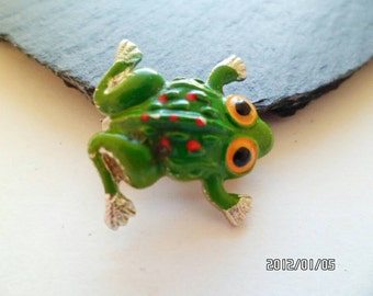 Vintage Jewellery-Quirky Handpainted Red and Green Frog Brooch/Pin
