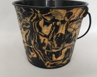 New Orleans Saints colors bucket