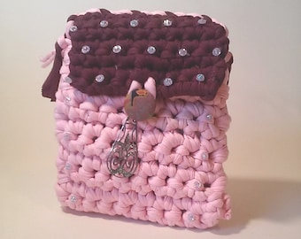 Crochet bag phone strap with snap front