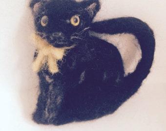 Needle Felted Black Cat Brooch.