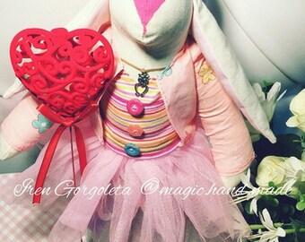 "Honey Bunny ""Wise Love"" by Iren Gorgoleta"