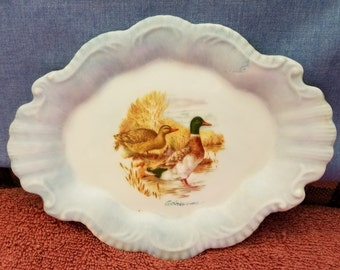 "Vintage small hand-decoratored plate 7"" x 5.5"""