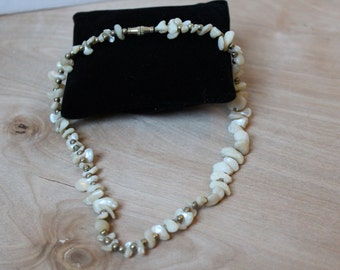 MOTHER of PEARL Beaded Necklace Vintage Natural Jewelry Cream Colored [AG-69]