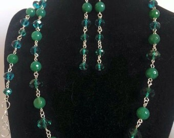 Green agate and Crystal sets on metal base