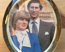 Royal Wedding Paperweight - lady Diana and Prince Charles - 21st July 1981 - British Royal Family