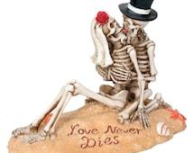 Love Never Dies Beach Skeleton Romantic Cake Topper