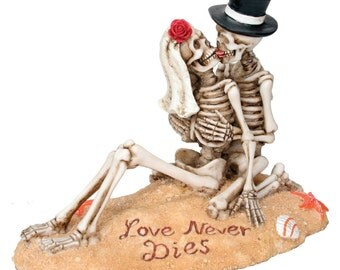 Love Never Dies Beach Skeleton Romantic Cake Topper