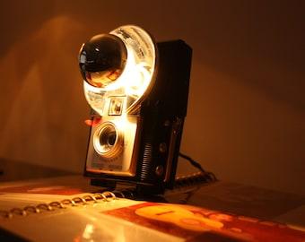 """Table lamp vintage camera """"Kodak Brownie Starflash"""" anni ' 50/' 60"""