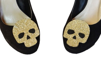 Clips shoes golden skull