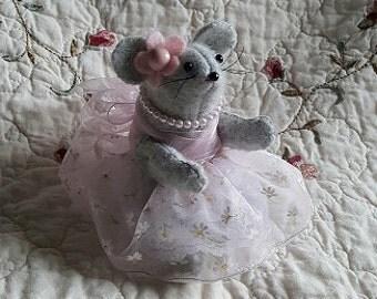 Victoria, Keepsake, handmade, dressed mouse.