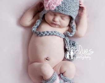 Crocheted Newborn Leg Warmer Outfit Baby Girl Hat Crocheted Photo Prop