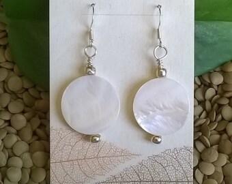 Shell Earrings, White Shell Earrings, Elegant Earrings, Pretty Earrings, White Earrings, Boho, Beach Earrings, Summer Jewelry, Resort Wear