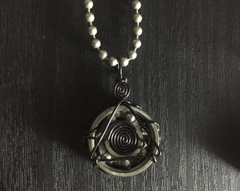 All-seeing Eye Bearing Pendant (black)