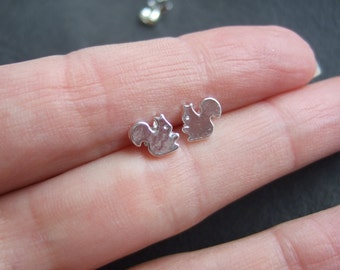 Silver plated squirrel earrings, cute woodland studs, small squirrel earring, tiny silver plated animal earrings, gift for her, chipmunk
