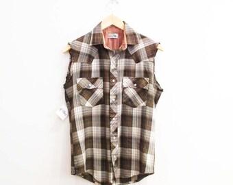 Vintage 1970s Shirt | Men's Vintage 1970s Sleeveless Plaid Western Shirt | size small - medium