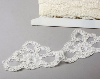 Corded Ivory Retro Bridal Lace w/Scalloped Edge 8.5cm Wide by the Yard #EBL-107