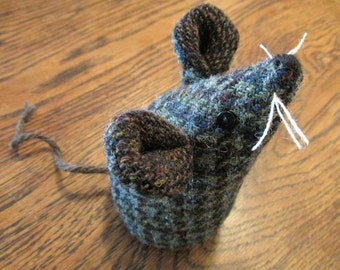 Handmade 100% Tweed mouse - Name: 'Chester'