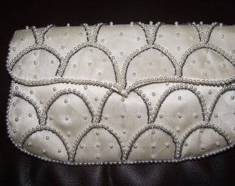 Vintage Japanese Off White Vintage Beaded Clutch Purse Pearl & Gray Beads